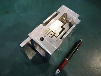マシニングセンタ加工+ワイヤー加工品(厚肉微細加工)