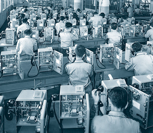 Mass production of No.5 public telephones for phone booths